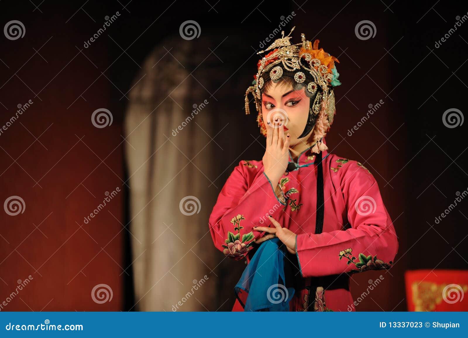Aktorki porcelany opera
