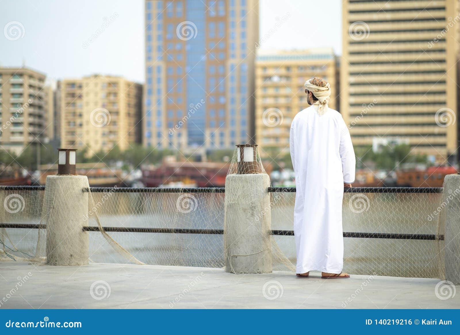 Al老迪拜的泽夫部分的阿拉伯人