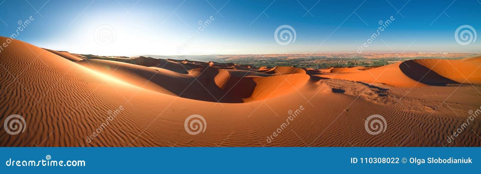 Al Khali, Abu Dhabi, janv. de ` de bande de frottement de désert de vue panoramique 2018