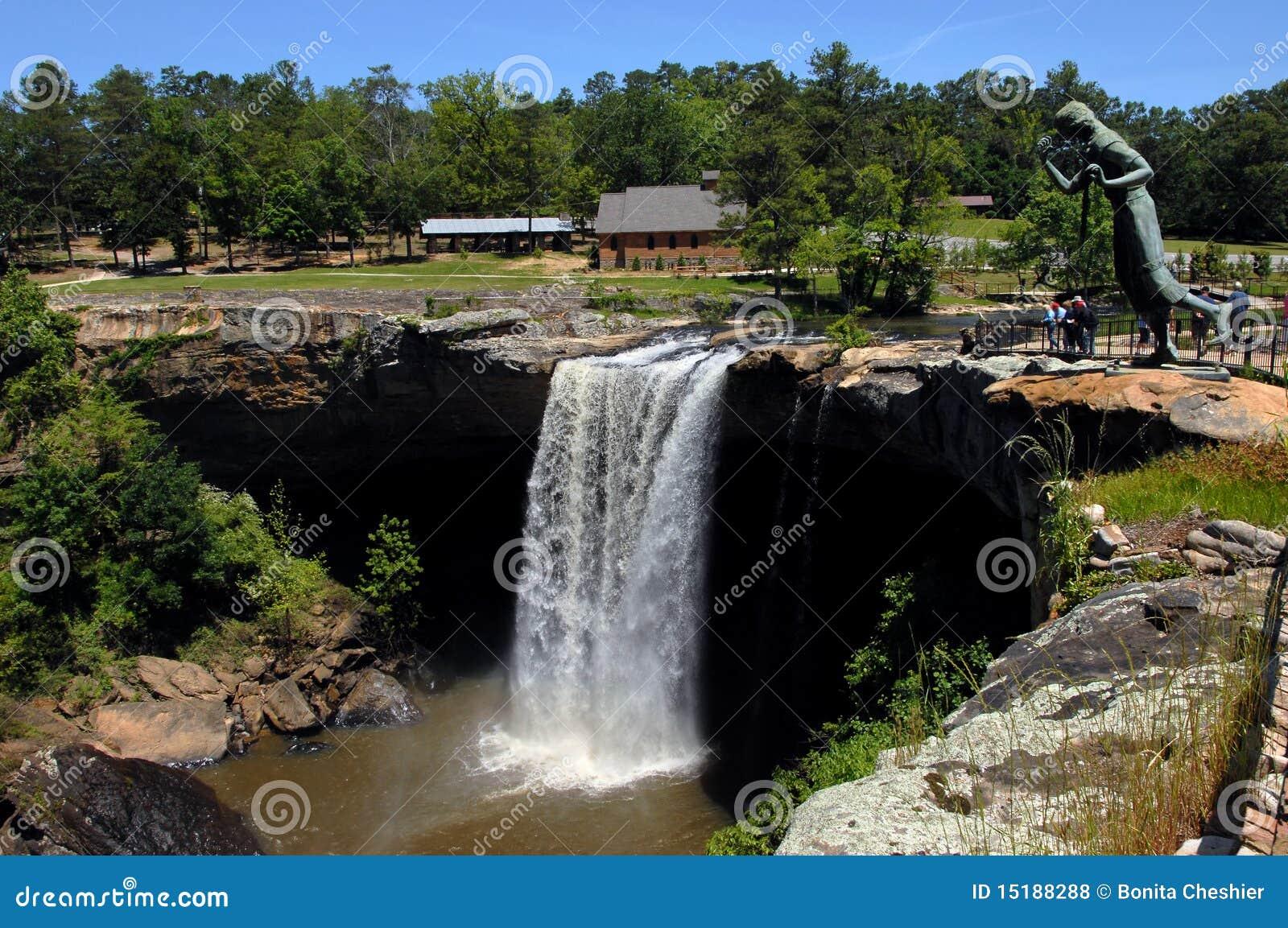 Alabama\'s Famous Noccalula Falls Stock Photo - Image of noccalula ...