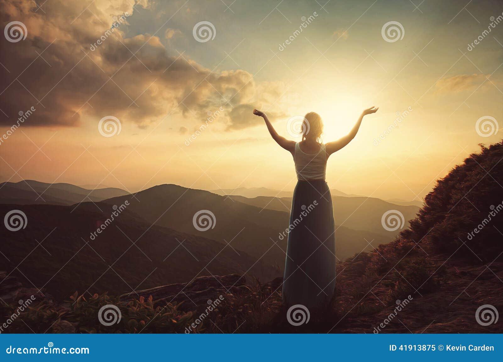 Alabanza encima de la montaña
