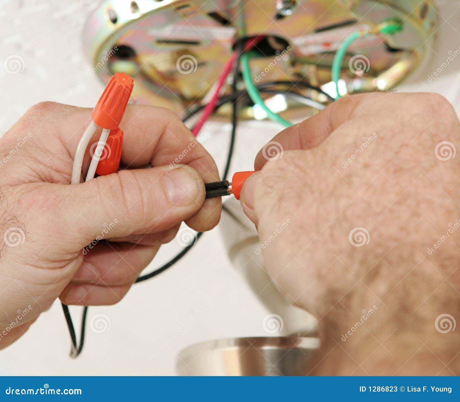 Alambres de conexi n del electricista fotos de archivo for Trabajo de electricista en malaga
