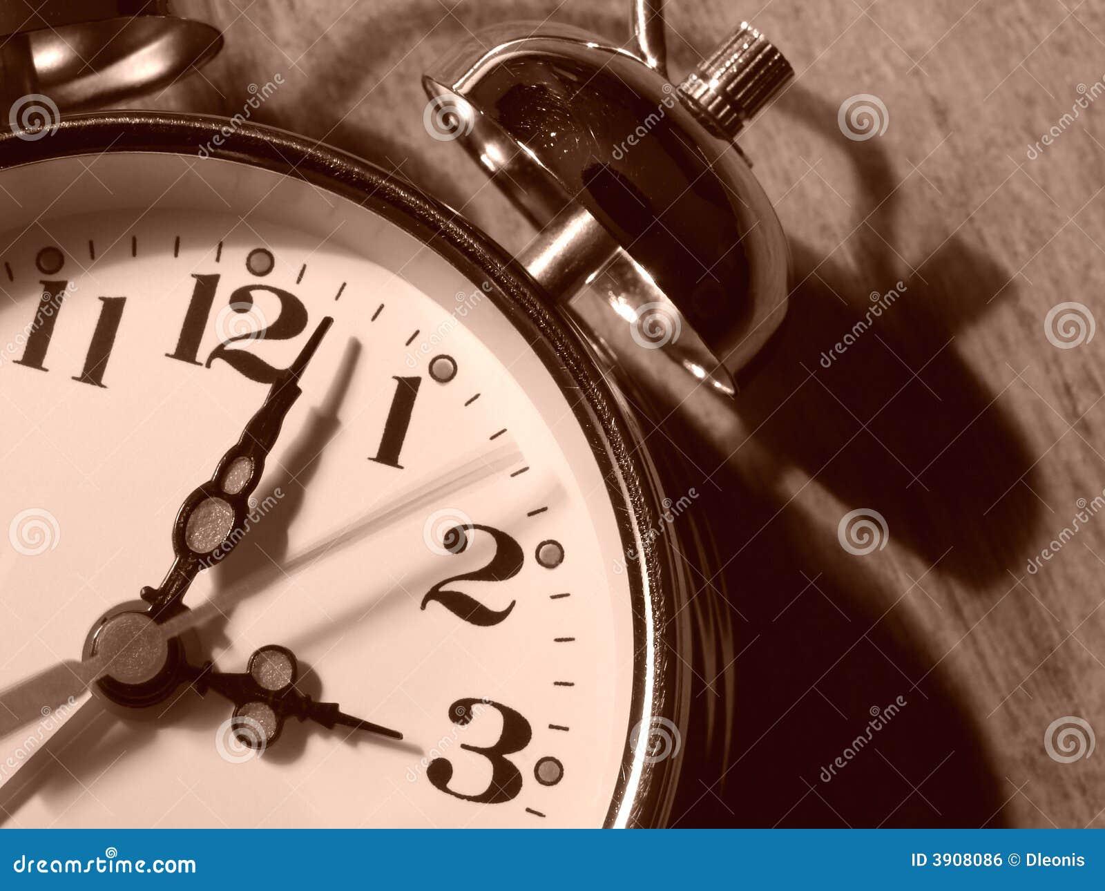 Alarmuhrfragment 1