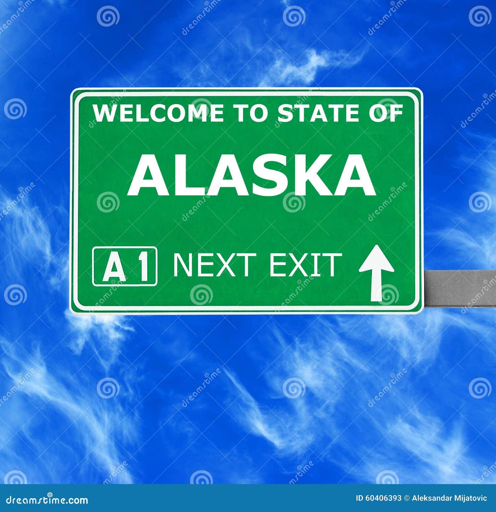 ALASKA drogowy znak przeciw jasnemu niebieskiemu niebu