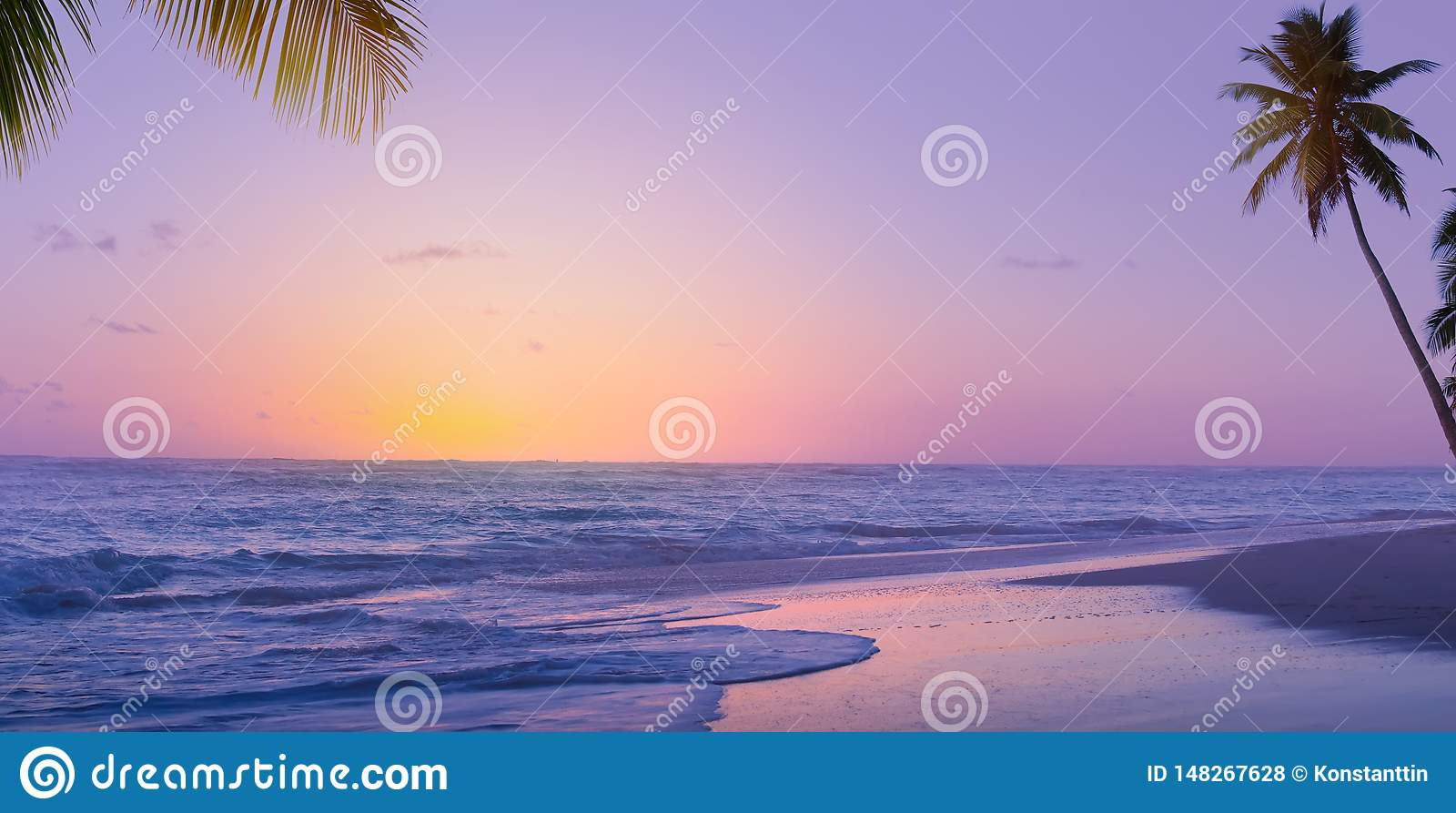 Alba di Art Beautiful sopra la spiaggia tropicale; vacanze estive di paradiso