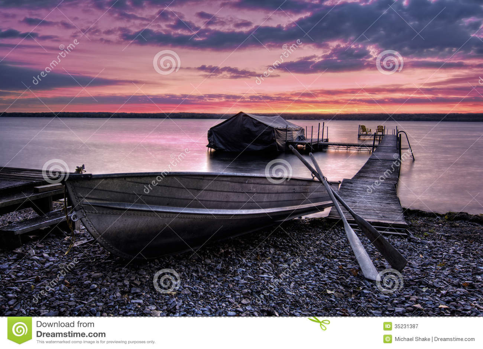 Alba di Cayuga del lago