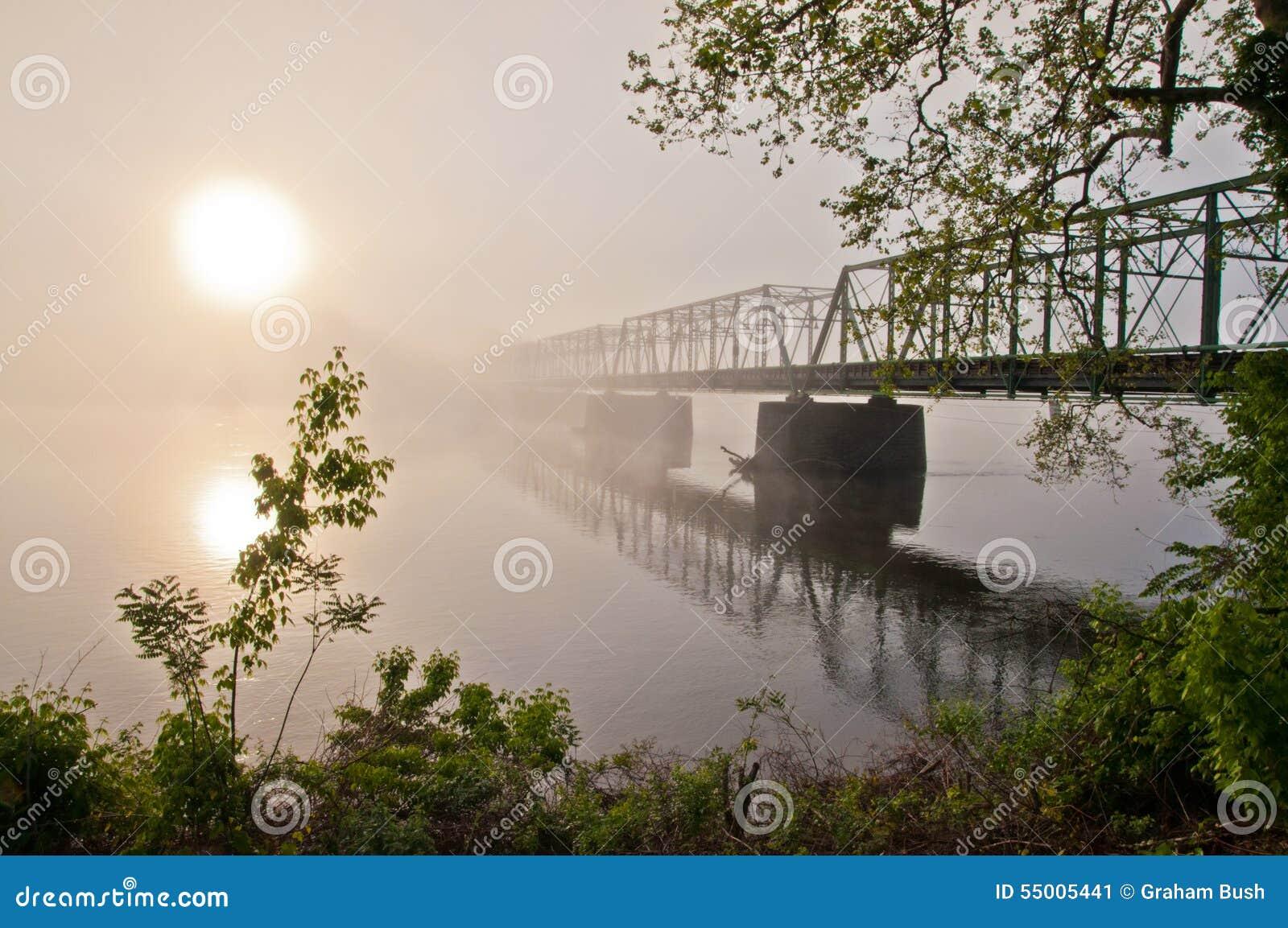Alba sul nuovo ponte di speranza