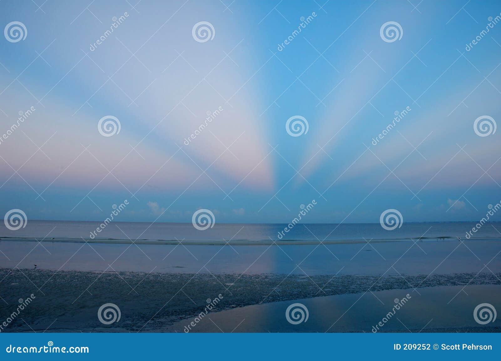 Alba sulla spiaggia del Fort Myers
