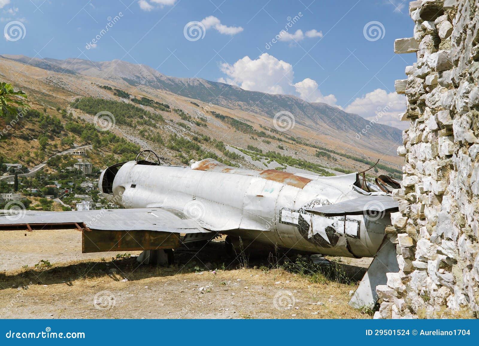 Albanië, Gjirokaster, Reamins van de Vliegtuigen van de USAF