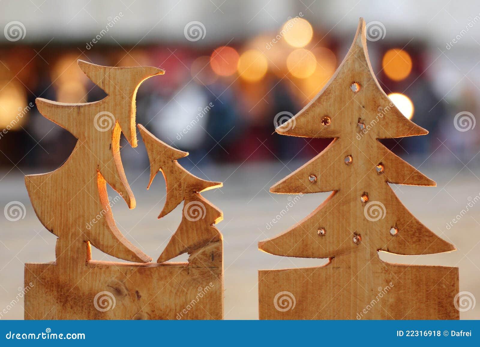 Alberi di natale di legno fotografia stock immagine di for Alberi di natale fai da te in legno