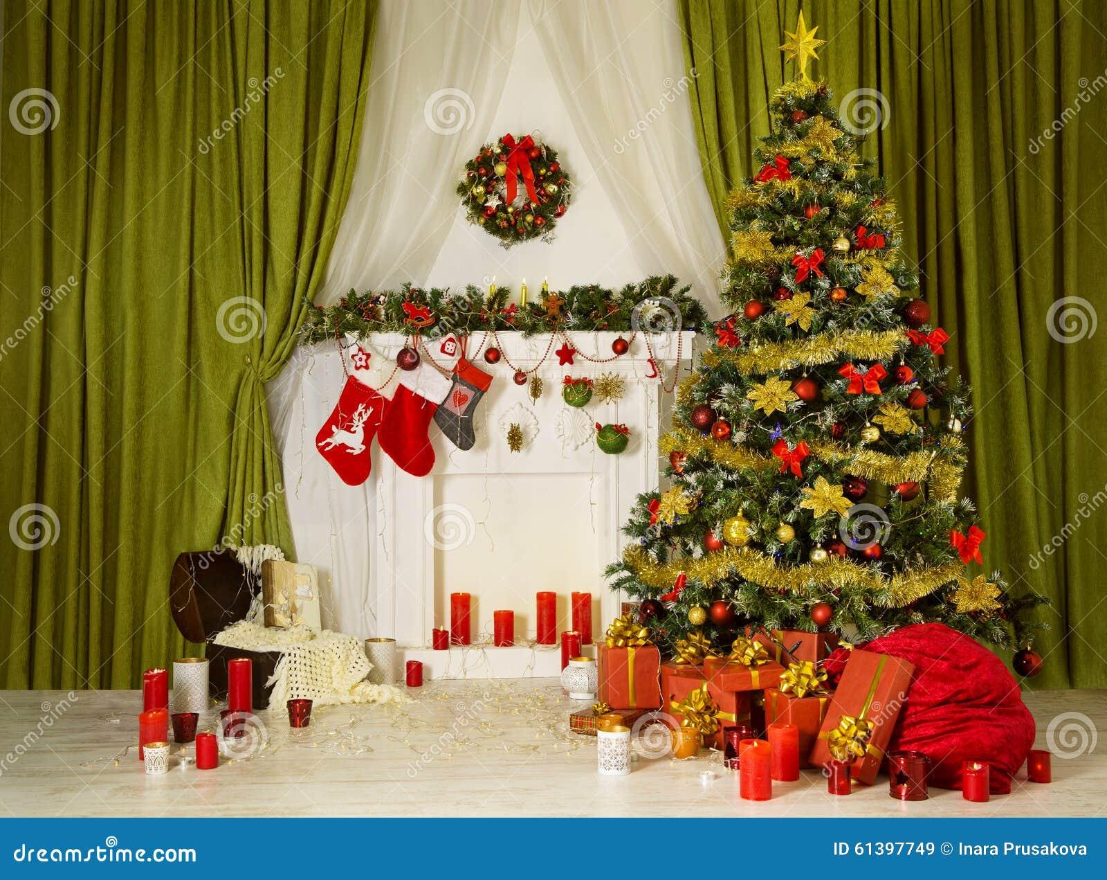 Decorazioni Sala Natale : Albero di natale della sala di natale interno domestico decorato