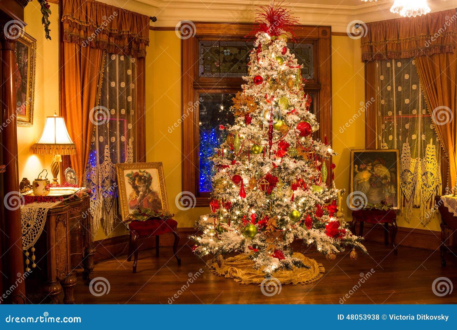 albero di natale vittoriano di stile fotografia stock editoriale immagine di oregon. Black Bedroom Furniture Sets. Home Design Ideas