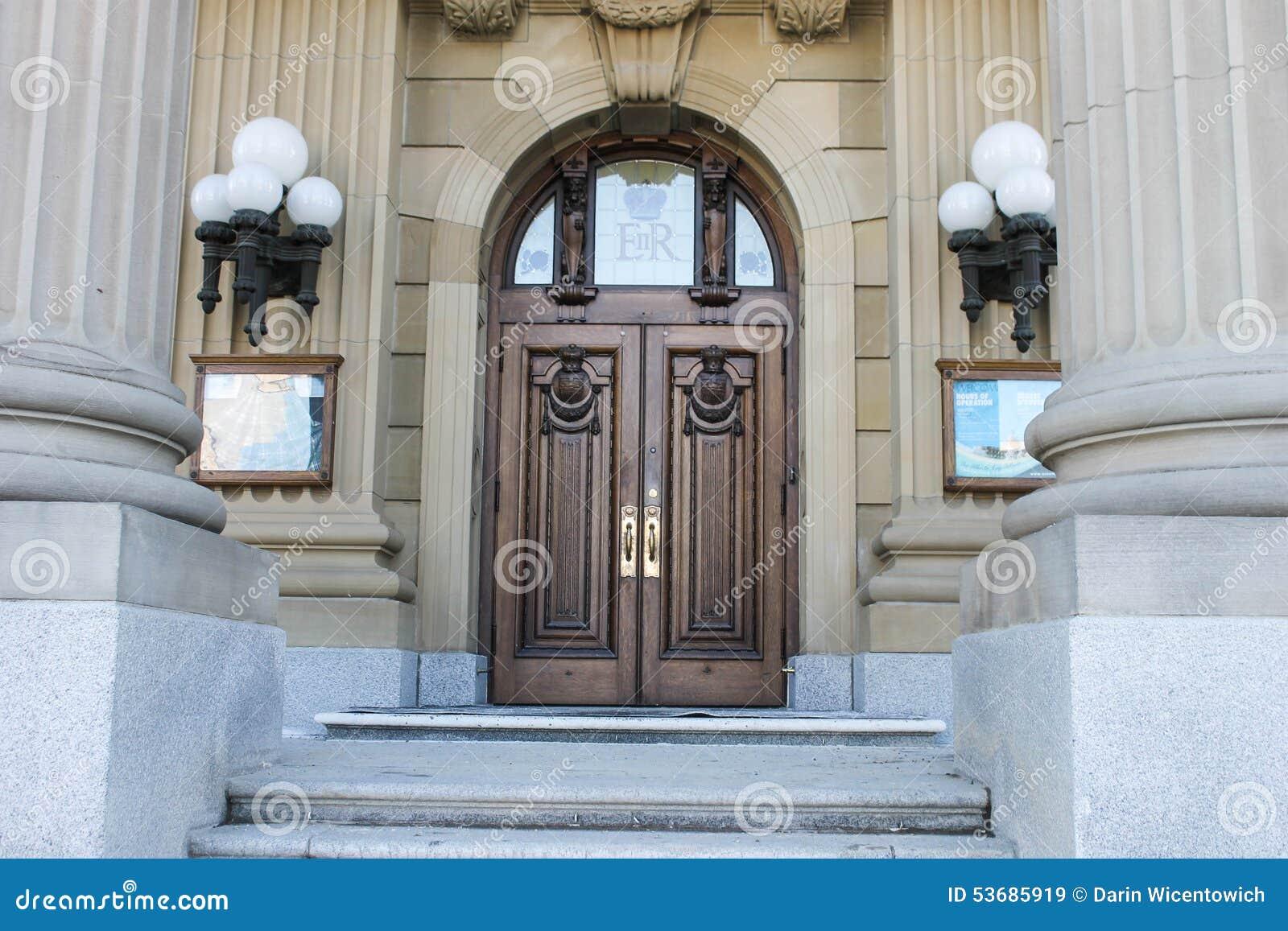 Alberta lagstiftnings- jordning som bygger, främre ingång