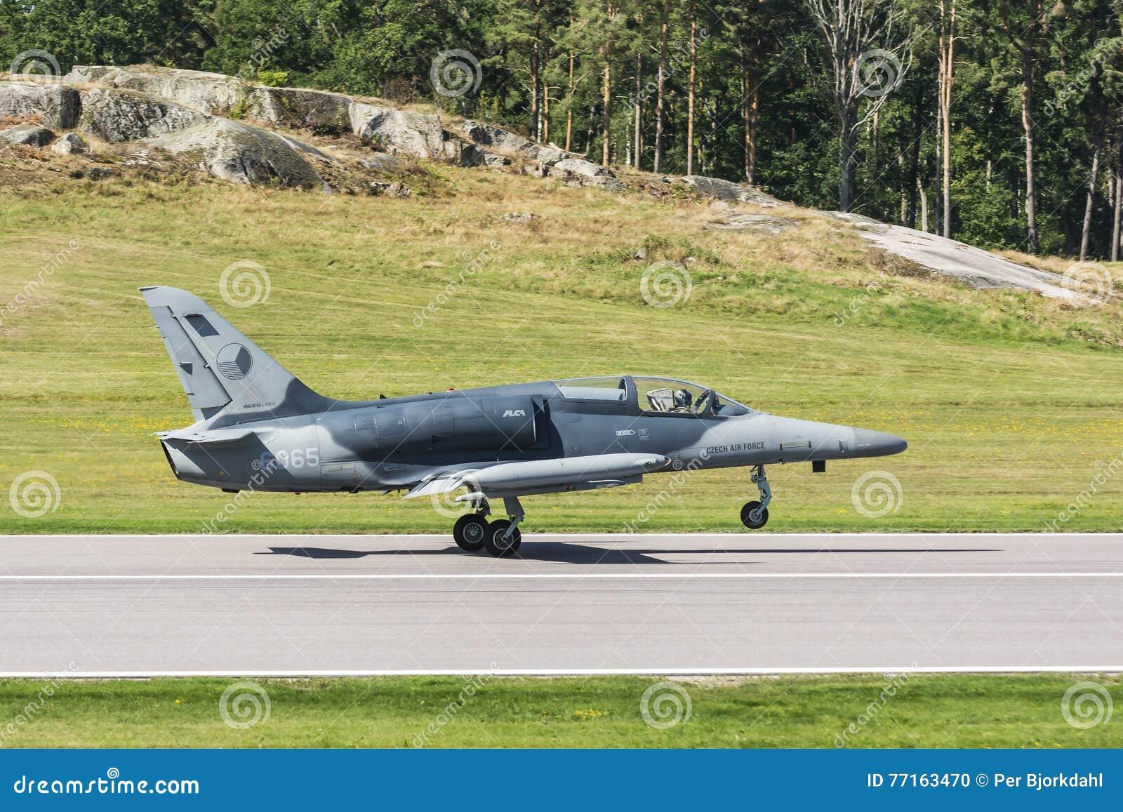 Alca L-159 aérien tchèque juste débarqué