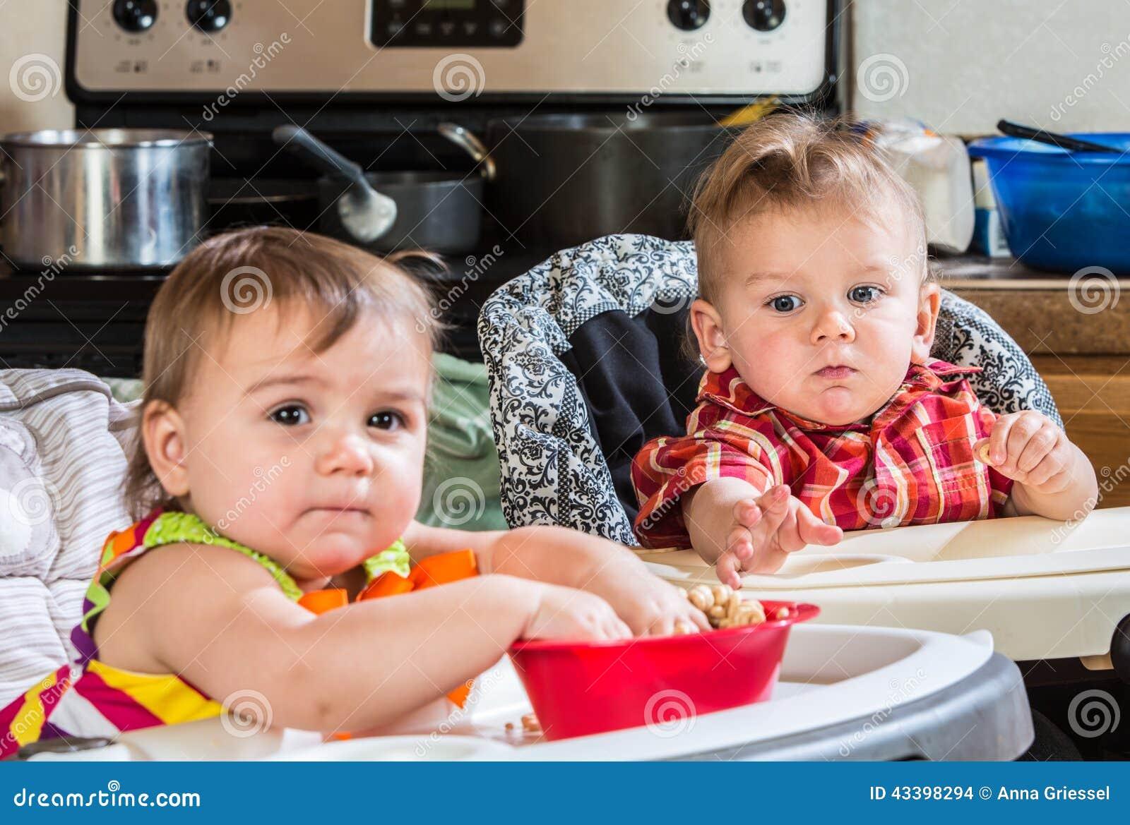 Alcances do bebê para o cereal