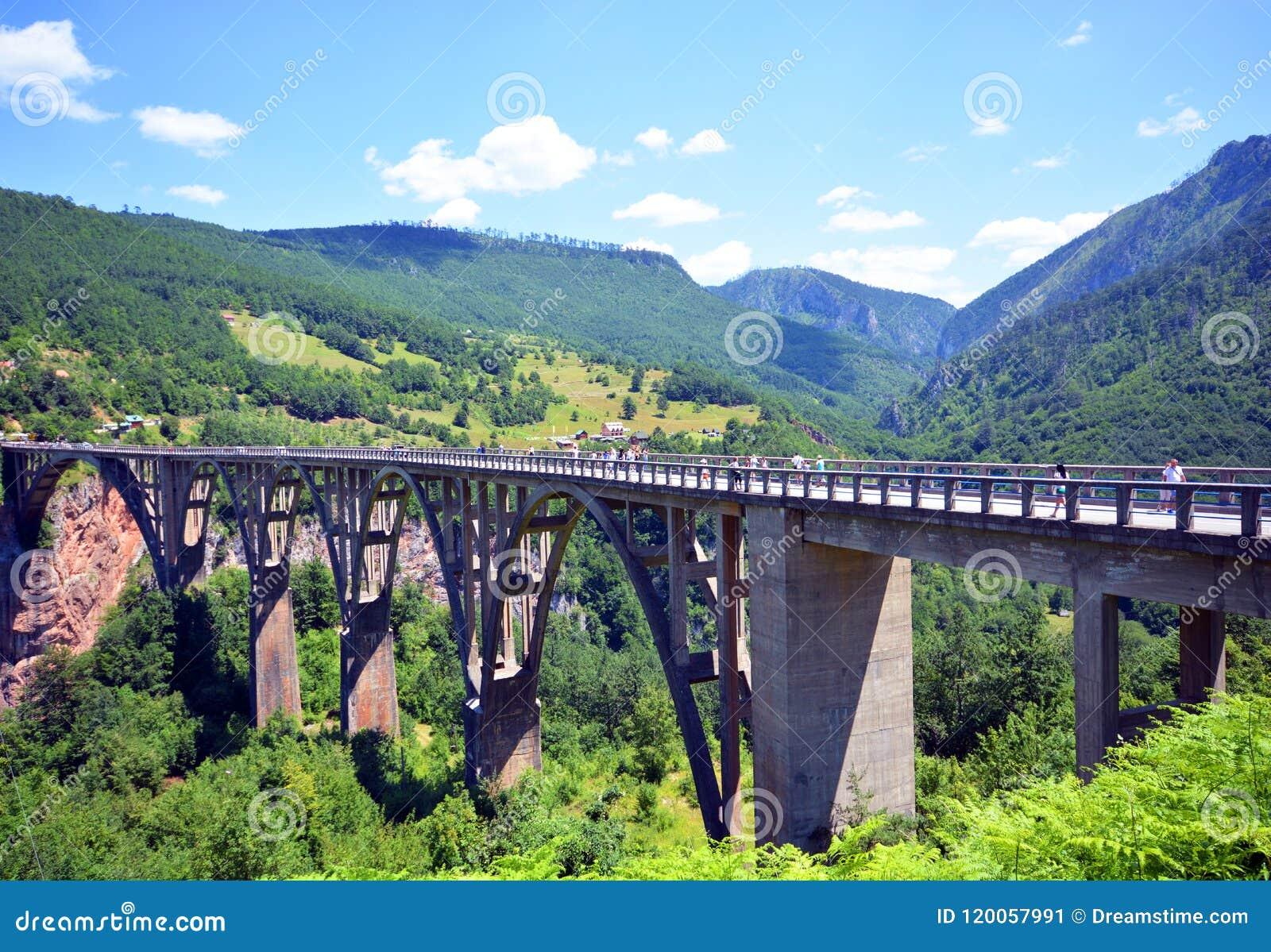 Alcatrão de Montenegro, rio, ponte, parque natural nacional