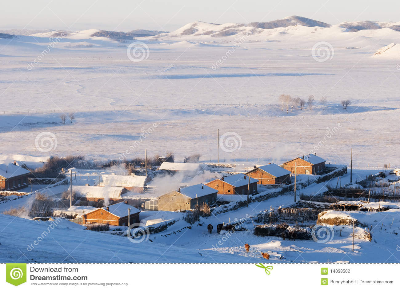 Aldea en invierno nevoso