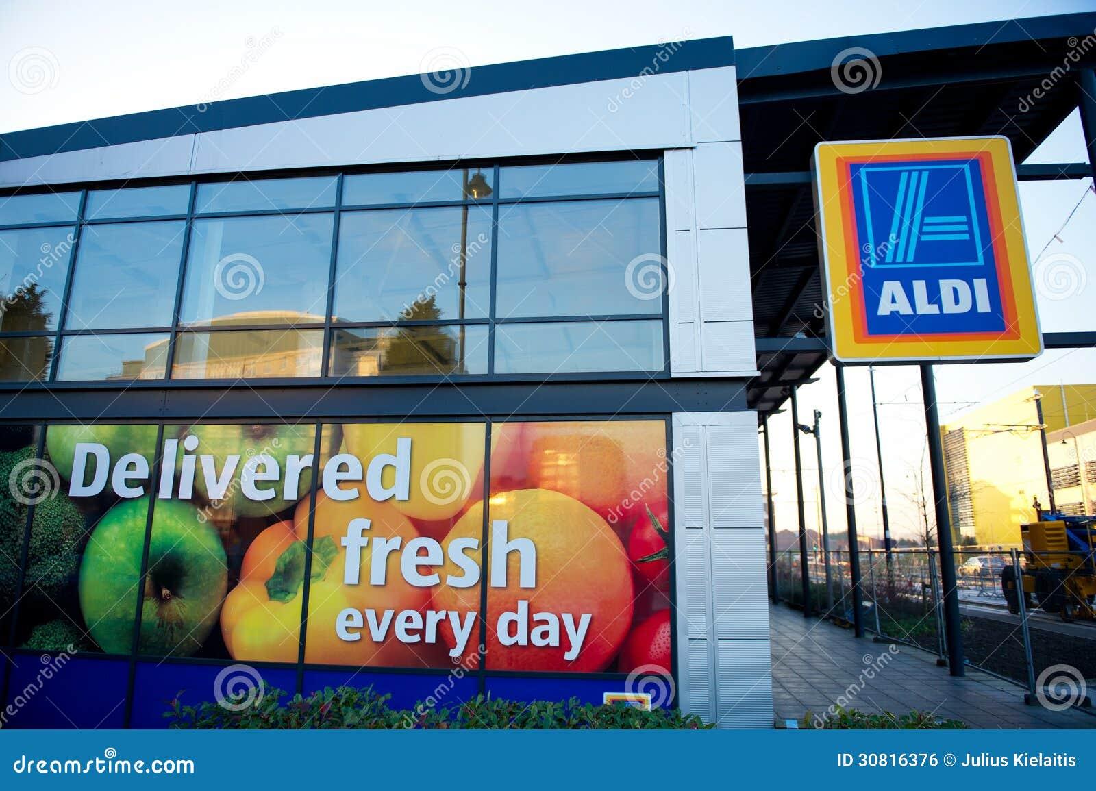 Aldi jedzenia rynek wewnątrz pod, Machester, UK