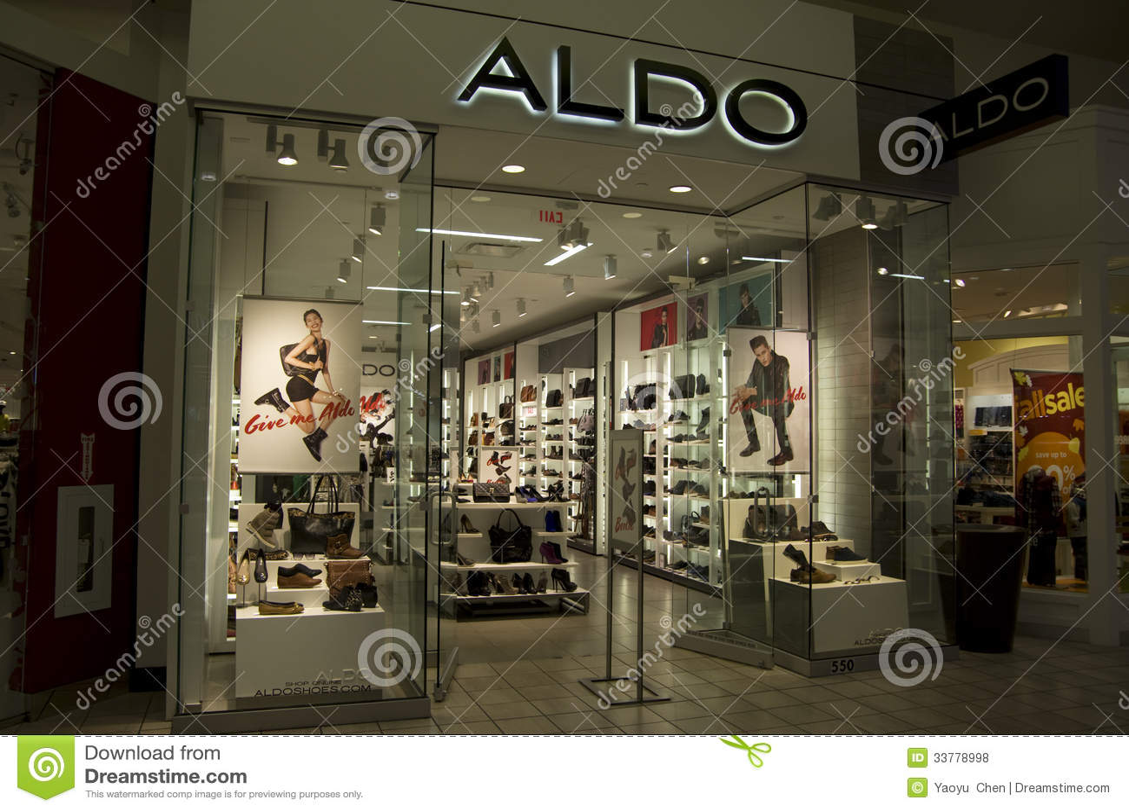 Shoe Shop At Alderwood