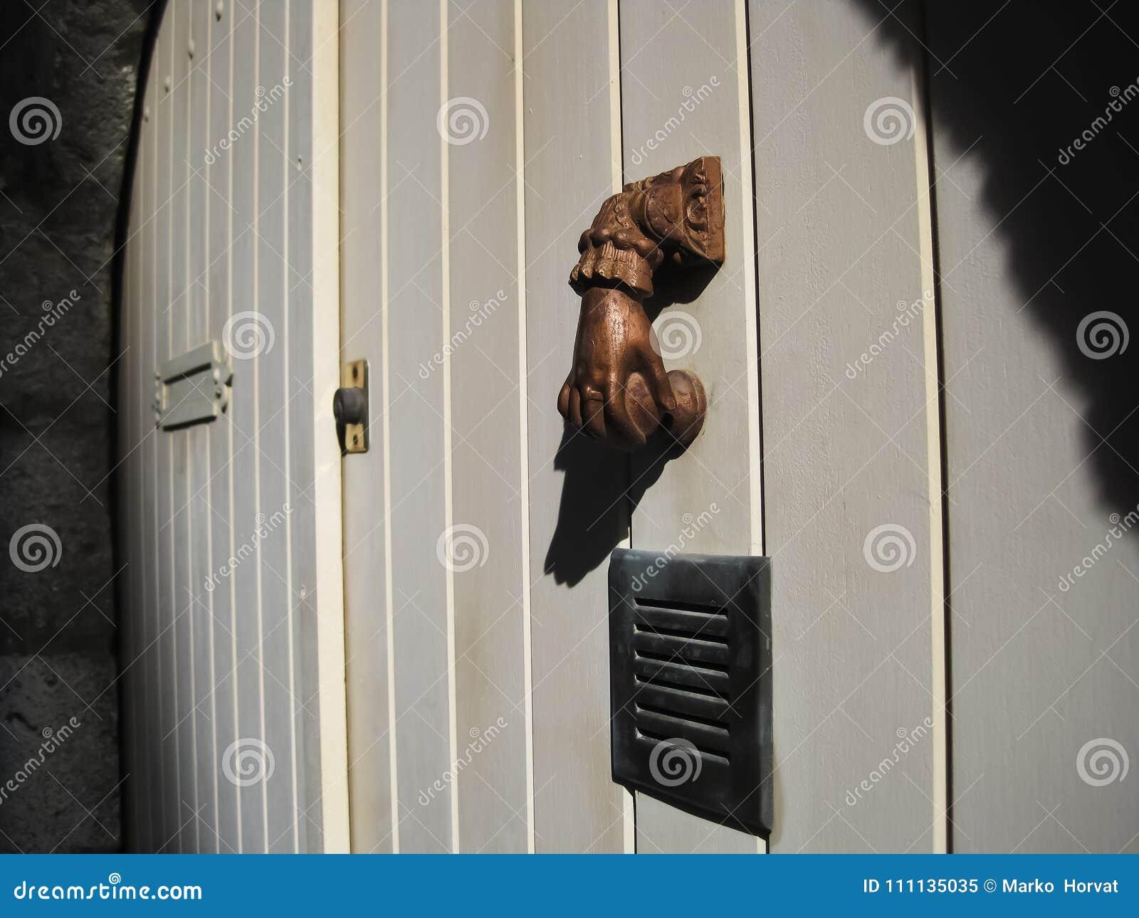 Aldrava de porta