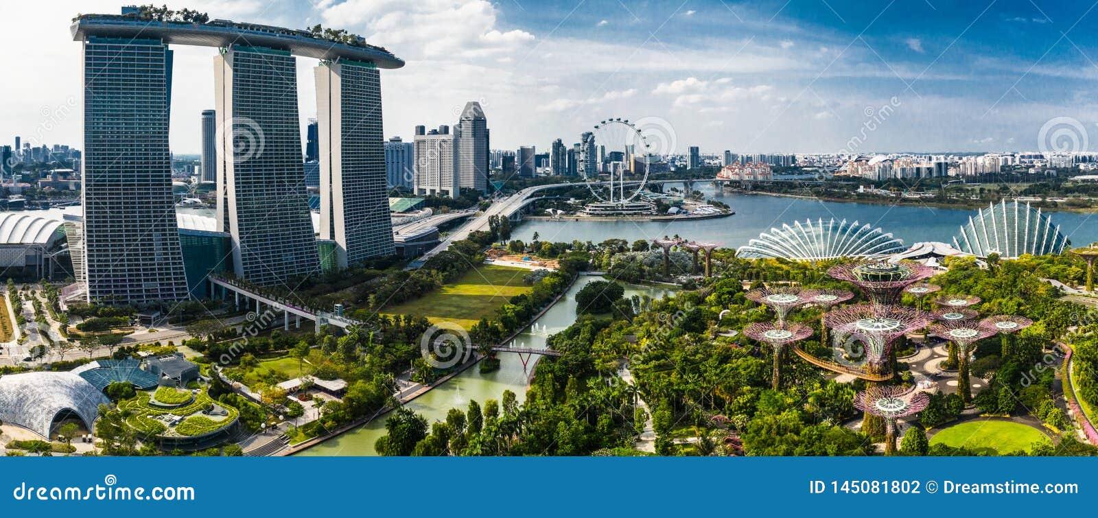 Alegria da vida em jardins pela baía, Singapura