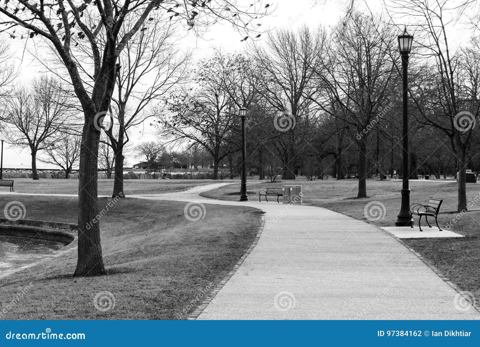 Aleia em um parque