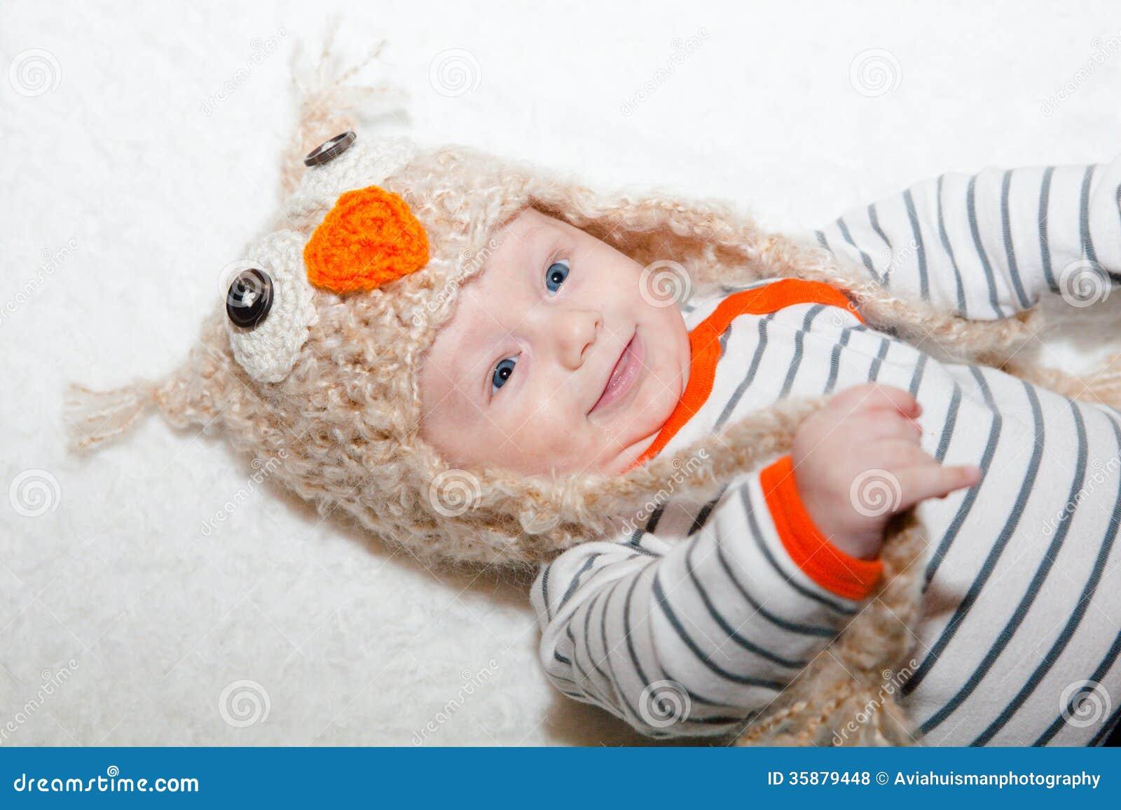 Alerte Gelukkige Baby in Owl Hat