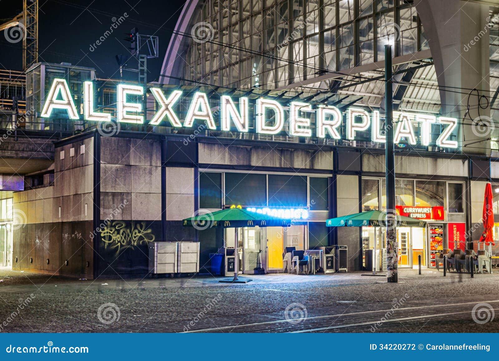 Alexanderplatz Alla Notte A Berlino Fotografia Editoriale - Immagine di  foto, orizzontale: 34220272