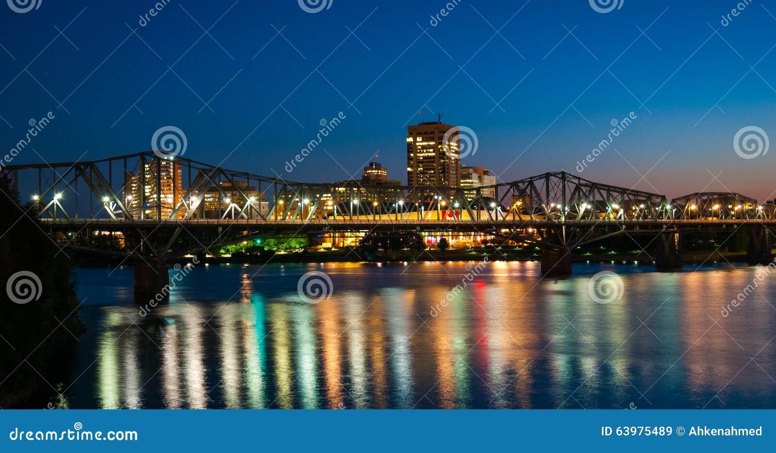 Alexandra rail and traffic bridge at night.