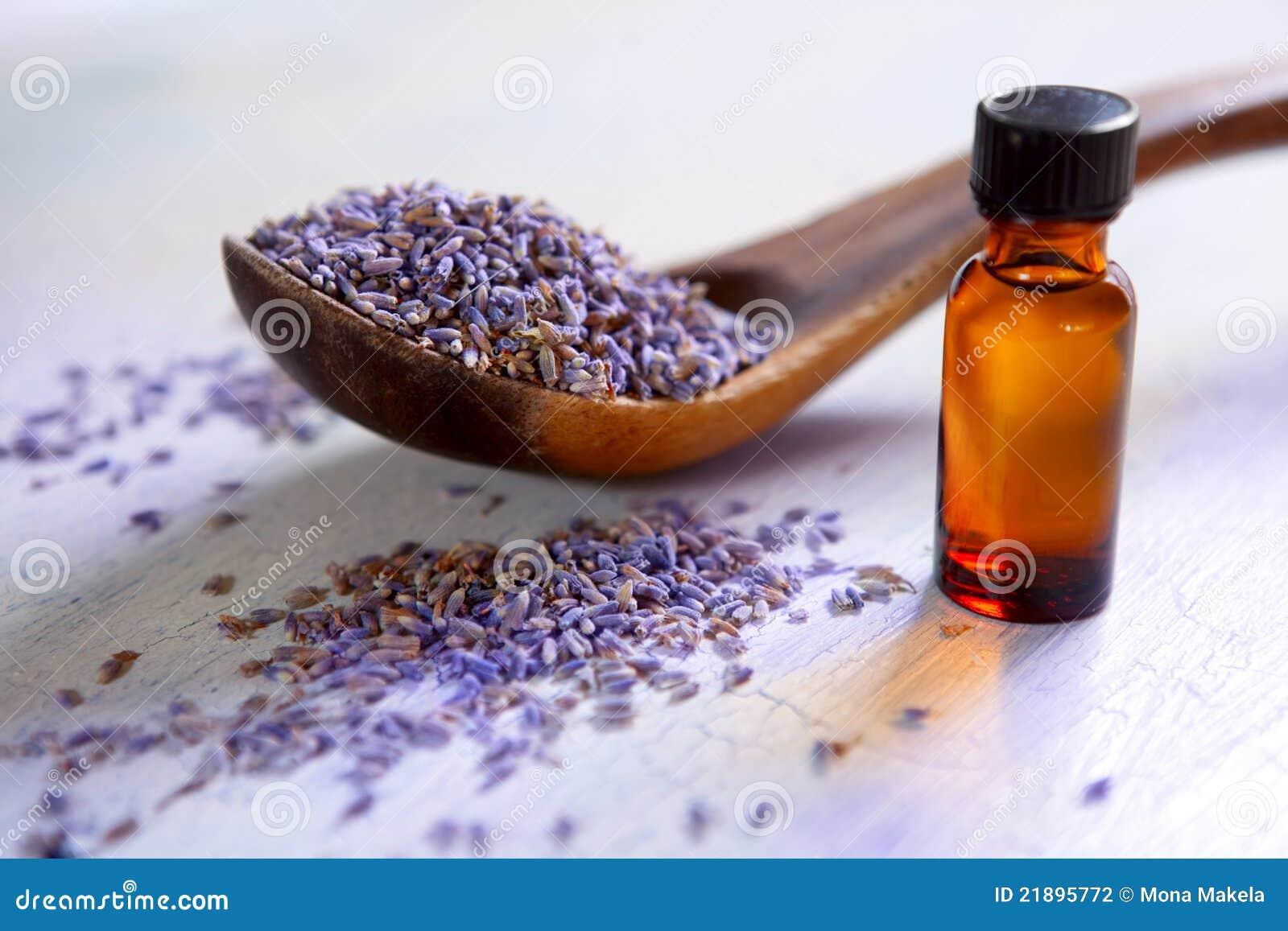 Alfazema secada com petróleo essencial