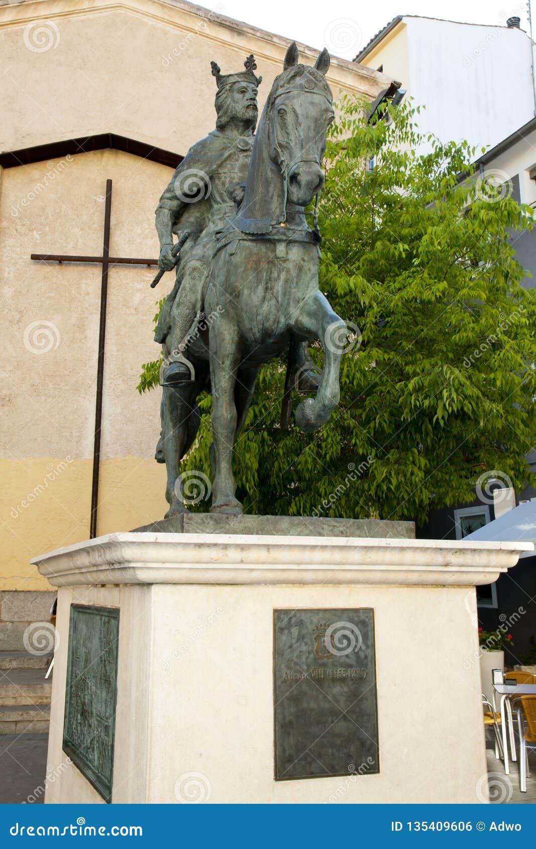 Alfonso VIII staty