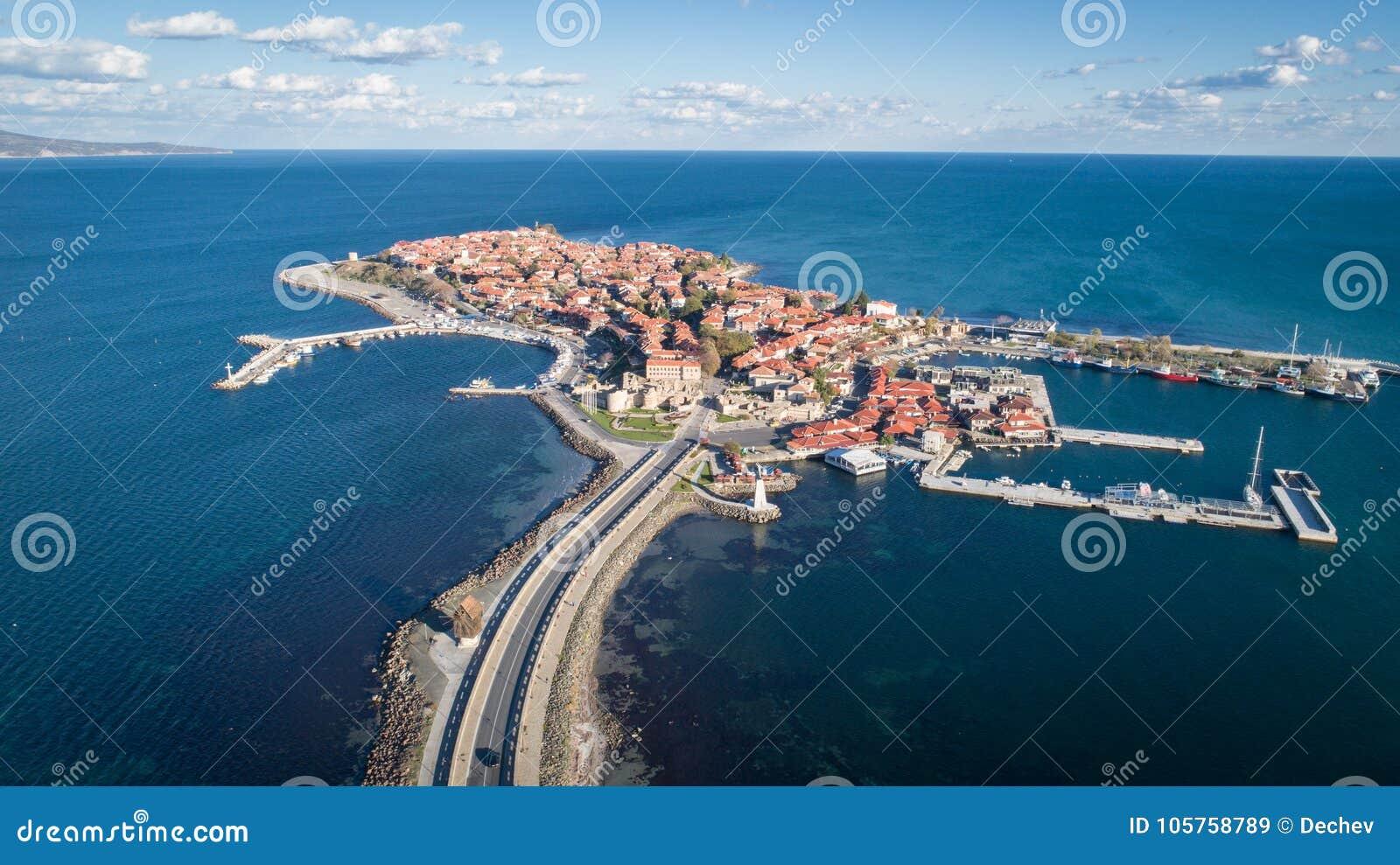 Algemene mening van Nessebar, oude stad op de kust van de Zwarte Zee van Bulgarije Panoramische luchtmening