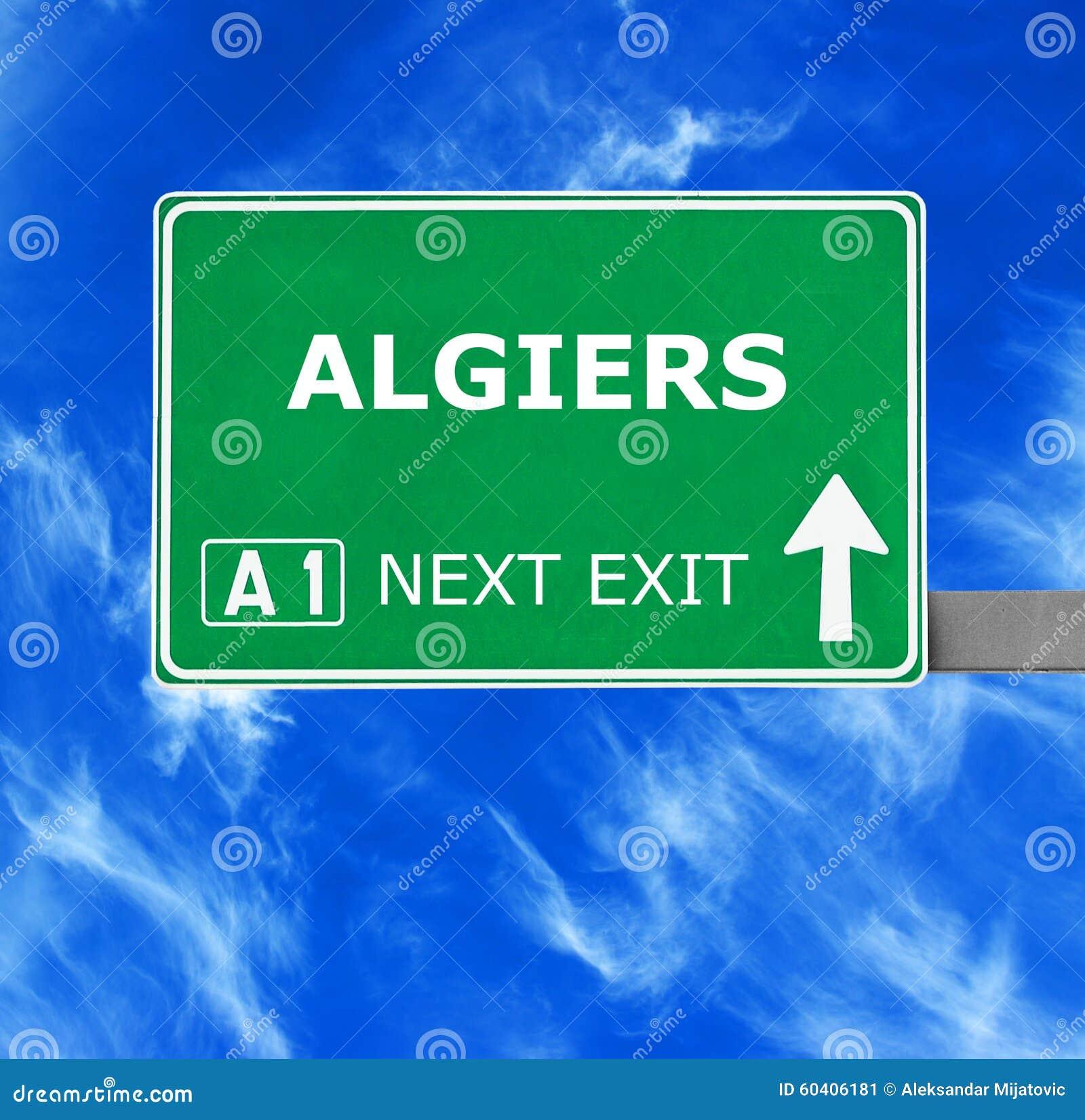 ALGIERS drogowy znak przeciw jasnemu niebieskiemu niebu