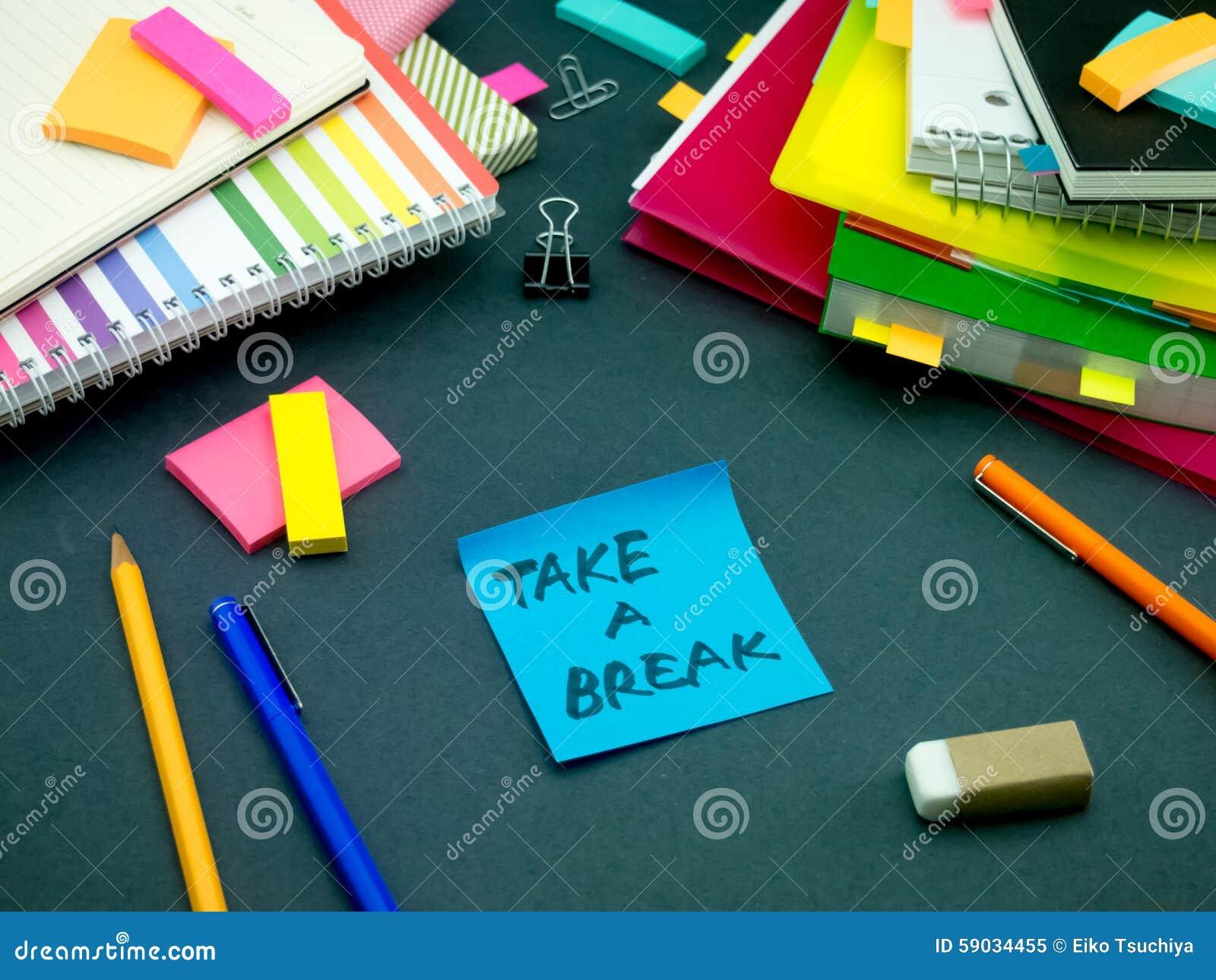 Alguém deixou a mensagem em sua mesa de trabalho; Tome uma ruptura