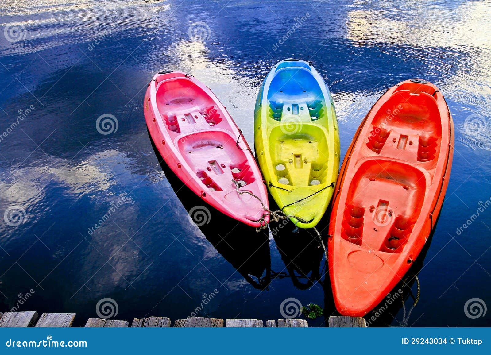 Download Algum barco no lago foto de stock. Imagem de marina, embarcações - 29243034