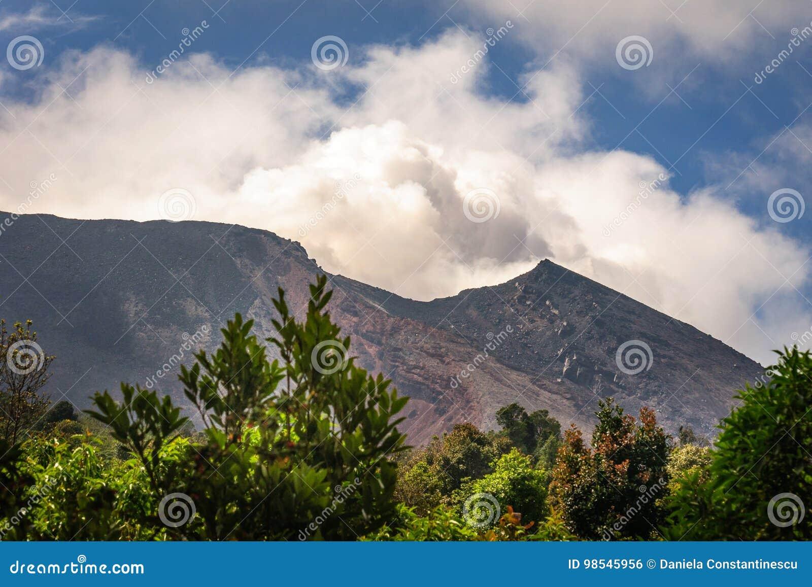 Alguma atividade de Strombolian em Volcano Pacaya, Guatemala