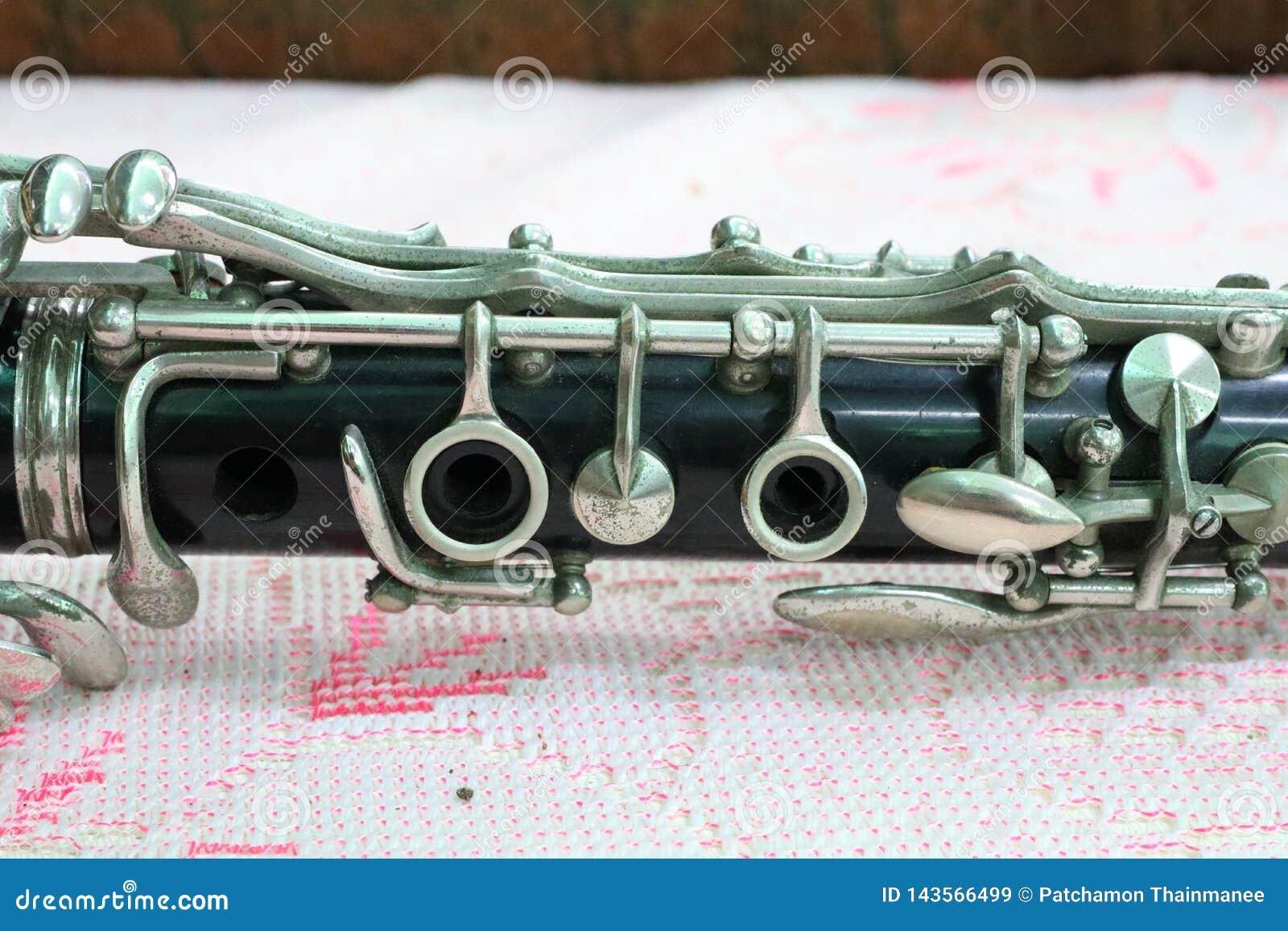 Algumas partes de instrumentos musicais, clarinete, instrumento de sopro