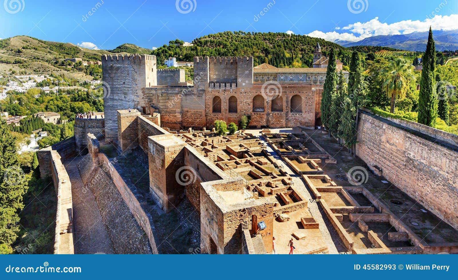 Alhambra Alcazaba Castle Towers Ruins Granada Andalusia Spanje Stock Foto - A...
