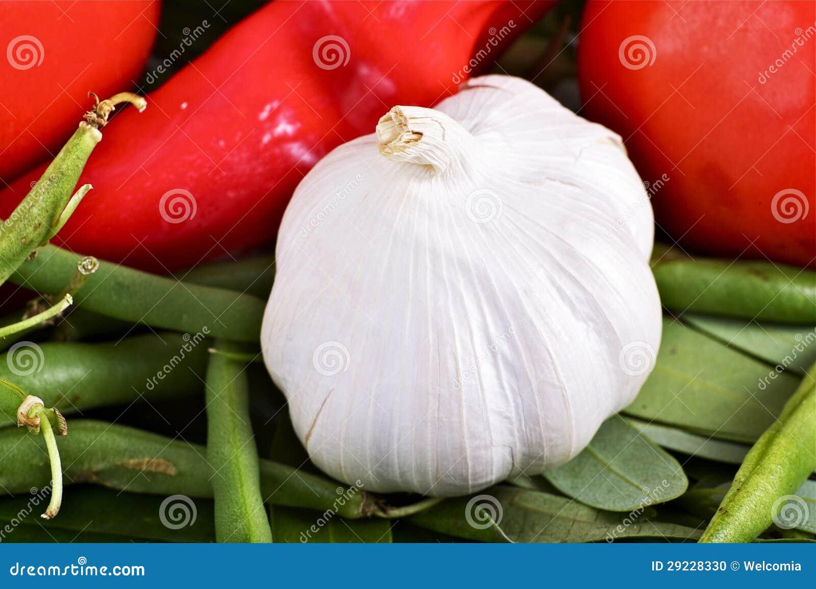 Download Alho orgânico foto de stock. Imagem de cheiro, naughty - 29228330