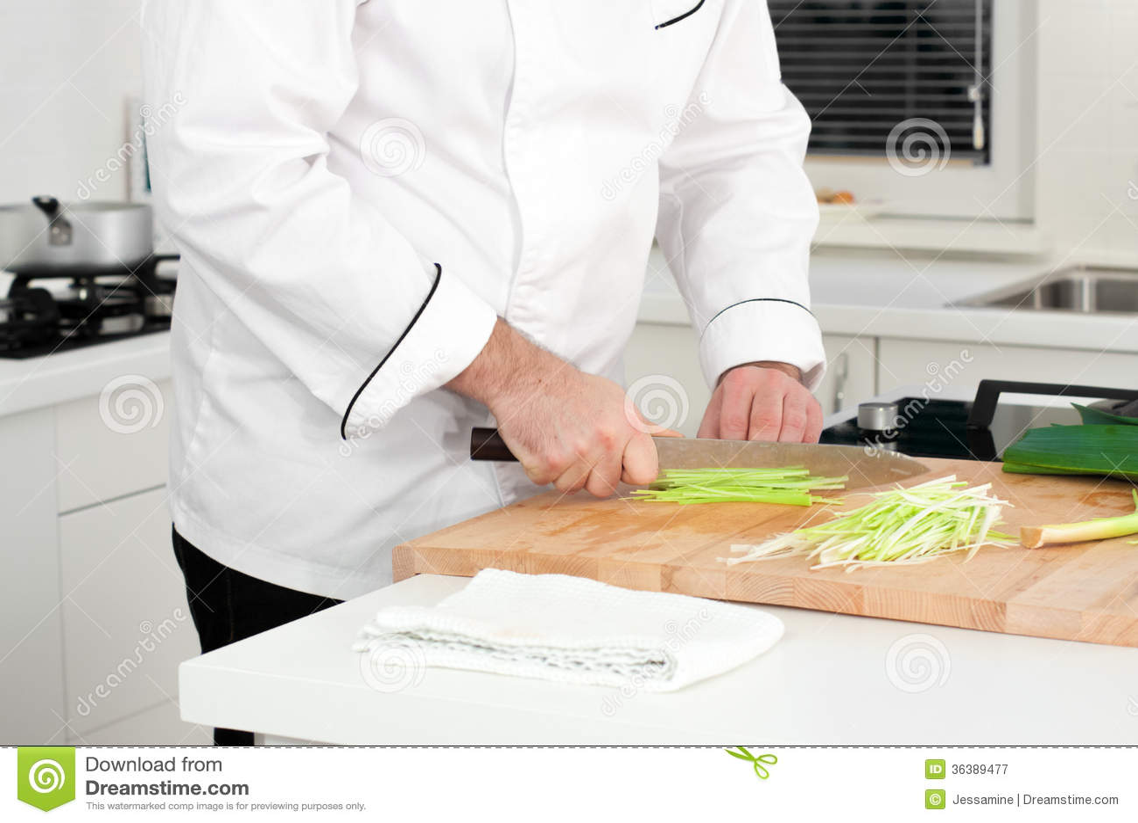 Alho-porro do corte do cozinheiro chefe