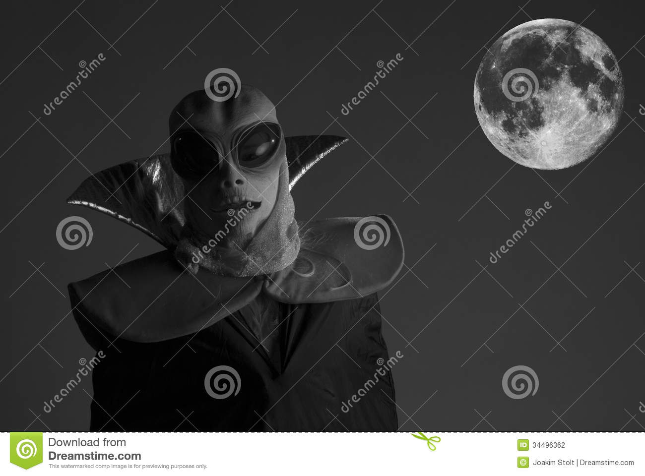 Alien in full moon