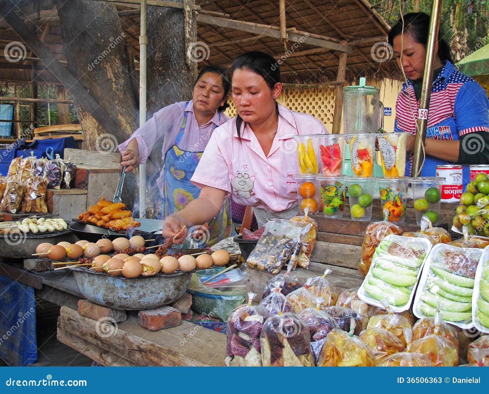Alimento asiático da rua