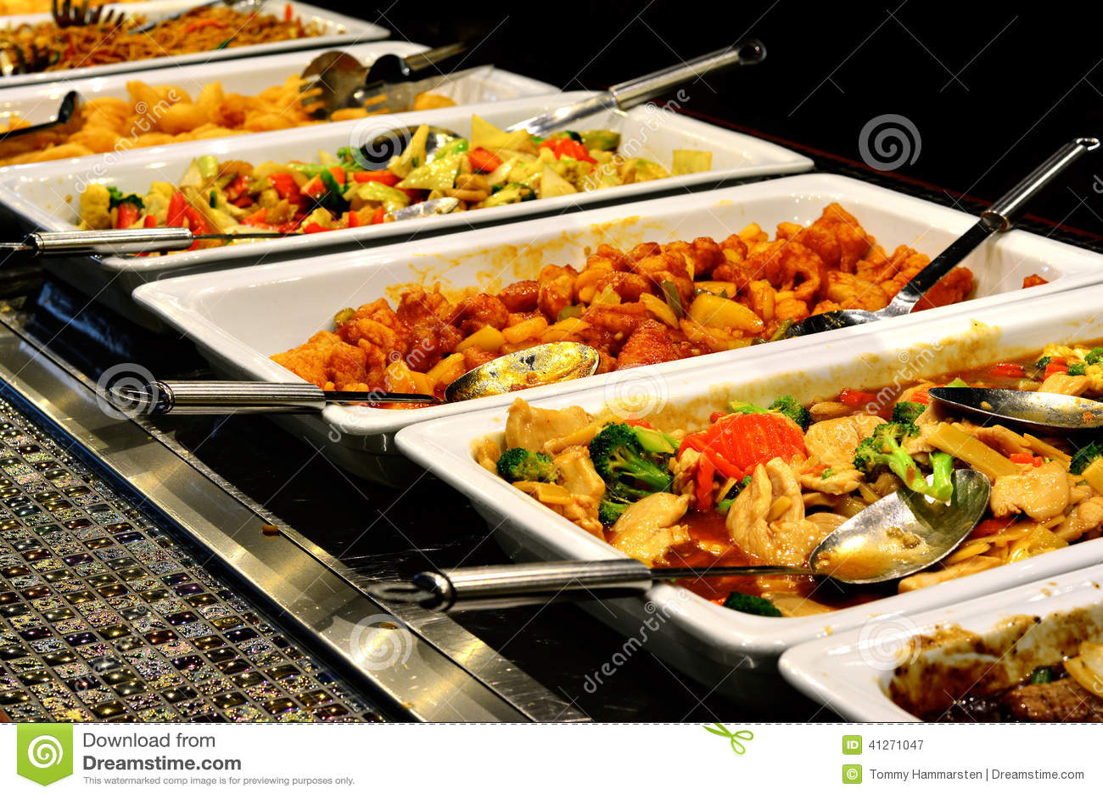 Alimento asiático misturado