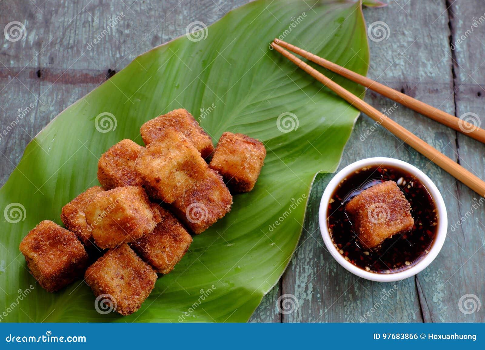 Alimento do vegetariano, tofu fritado