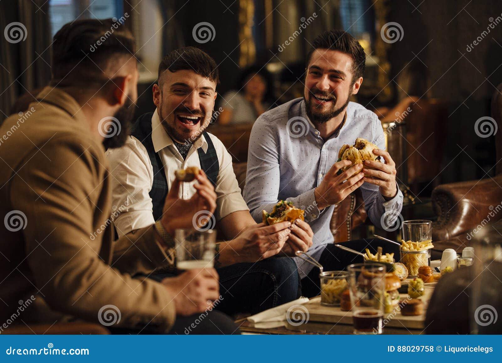Alimento e bevande del pub