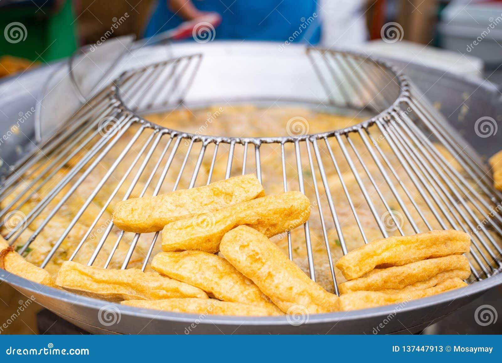 Alimento fritado do vegetariano do Tofu