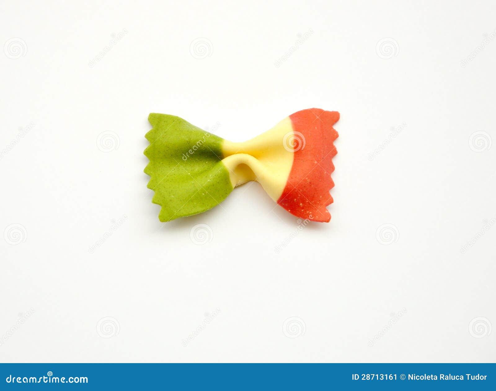 Alimento iconico italiano: pasta con la bandiera dell Italia