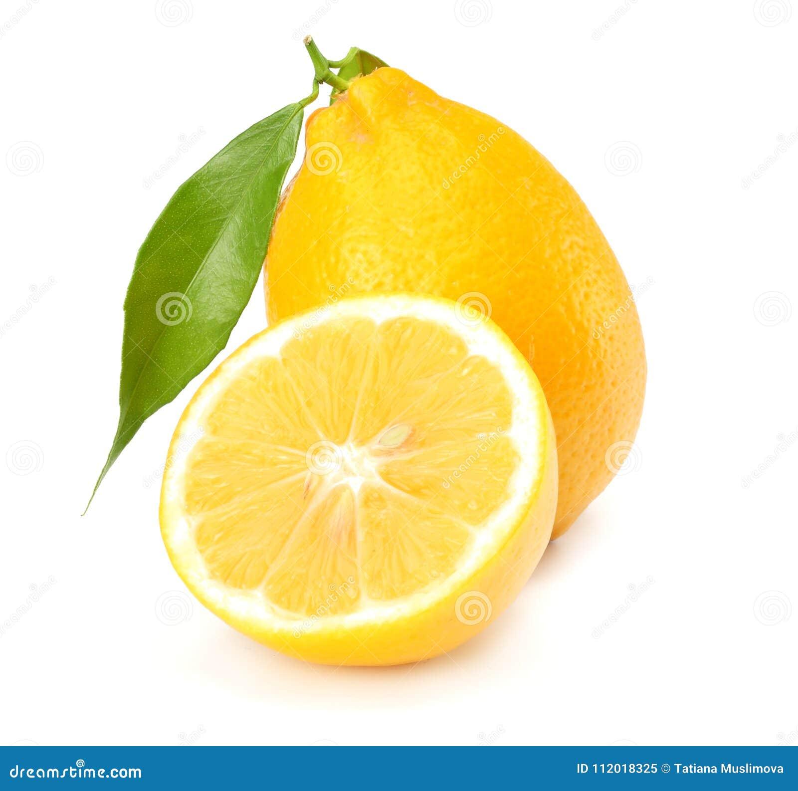 Alimento saudável Limão com a folha verde isolada no fundo branco