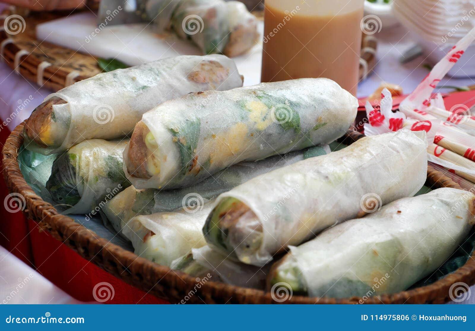 Alimento Vietnamita Della Via, Rotoli Della Carta Di Riso Fotografia ...