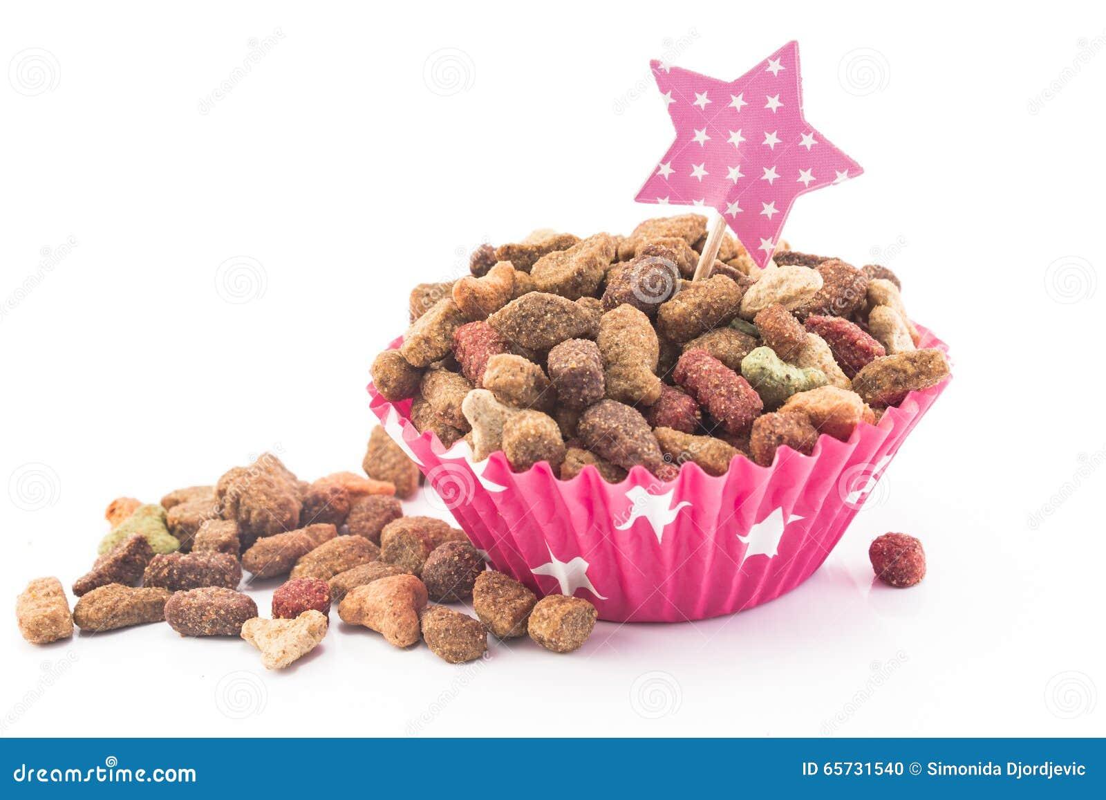 Aliments pour chats sous forme de petit gâteau